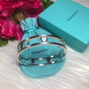 ❤️ Tiffany & Co. Authentic Heart Bracelet